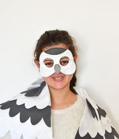 White snowy owl mask for kids for Halloween or Carnival. Just like Harry Potter's Owl, Hedwig. Snowy owl costume is also available at bhbkidstyle.com