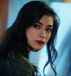 معرض الصور Meryem Uzerli, Prettiest Actresses, Turkish Beauty, Cute Wallpaper Backgrounds, Film Music Books, Turkish Actors, Best Actress, Kara, Actors & Actresses