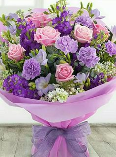 Bunch Of Flowers, Love Flowers, My Flower, Beautiful Flowers Wallpapers, Beautiful Roses, Beautiful Flower Arrangements, Floral Arrangements, Cemetery Flowers, Indoor Flowers