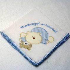 Babita (fralda de boca) com ursinho bordado e acabamento em crochê.    Prática e super charmosa.    Tamanho: 32 x 32 cm    Tecido: Fralda Cremer Luxo - 100% algodão
