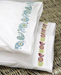 Vrouekeur | Kreatiewe kussingslope Cross Stitch, Corner, Punto De Cruz, Seed Stitch, Cross Stitches, Crossstitch, Punto Croce