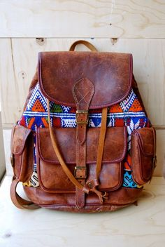 Would like to have a leather backpack - Leather Bag Wholesale Backpack Bags, Leather Backpack, Leather Bags, Brown Leather, My Bags, Purses And Bags, Aztec Backpacks, Boho Fashion Indie, Moda Boho