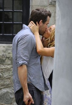 Blake Lively and Ryan Reynolds. I love them! Cutest celebrity couple
