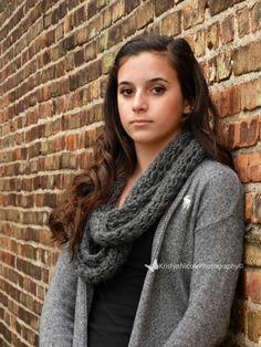Teen girl photo shoot ideas/ senior pictures natural light https://m.facebook.com/photographybykristynnicole