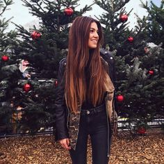 Shared by Find images and videos about girl, fashion and hair on We Heart It - the app to get lost in what you love. Hair Inspo, Hair Inspiration, New Hair, Your Hair, Negin Mirsalehi, Natural Hair Styles, Long Hair Styles, Long Layered Hair, Dream Hair