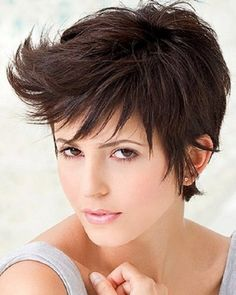 Best Short Haircuts for Women with Round Faces | Short Haircut Styles 2014