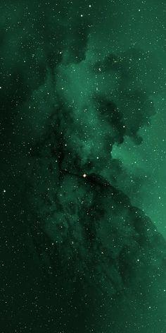 Dark Green Wallpaper, Iphone Wallpaper Green, Iphone Wallpaper Themes, Cute Wallpaper Backgrounds, Aesthetic Iphone Wallpaper, Green Backgrounds, Aesthetic Wallpapers, Simplistic Wallpaper, Minimalist Wallpaper