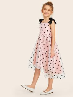 To find out about the Girls Tied Shoulder Polka Dot Flocked Organza Dress at SHEIN, part of our latest Girls Dresses ready to shop online today! Preteen Girls Fashion, Girls Fashion Clothes, Kids Fashion, Fashion Dresses, Frocks For Girls, Little Girl Dresses, Girls Dresses Online, Organza Dress, Elegant Outfit