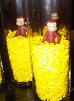 Monkey centerpieces with runts! Love George!