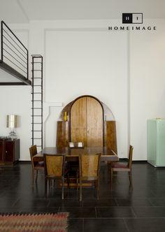 Loft recuperato da un vecchio garage, nel cuore del centro storico di Catania. L'arredamento, riproposto in ogni stanza e in ogni dettaglio, è squisitamente anni '50.