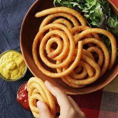 . Onion Rings, Apple Pie, Potatoes, Spirals, Ethnic Recipes, Desserts, Videos, Food, Tailgate Desserts