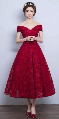 Lace A-line Vintage Burgundy Tea-Length Off-the-Shoulder Prom Dresses
