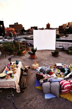 WISH I lived in a downtown loft. it would be phenomenal, for a movie night party