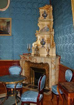 18th Century fireplace in the Yusopov Palace, Moscow http://beauxmondesdesigns.blogspot.com/2009/11/yusupov-palace-grigori-rasputin.html