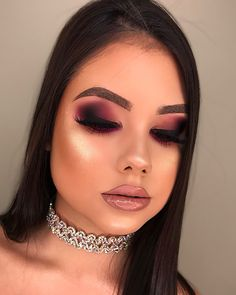 Makeup Vanity With Lighted Mirror without Makeup Revolution Oval Brushes around Cute Makeup, Glam Makeup, Gorgeous Makeup, Makeup Inspo, Bridal Makeup, Makeup Inspiration, Makeup Looks, Flawless Makeup, Hd Make Up