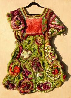 inspiration ~mixed media textiel vest/ rode bloemen, quilt achter