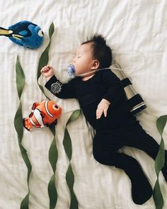 This baby has no idea that during a deep slumber became the most beloved, internet king costume-so sweet ...
