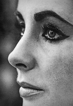 elizabeth taylor-THIS is why women should NEVER over-pluck their eyebrows......fabulous :-)