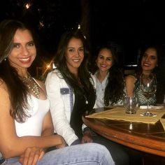 Pense numa coincidência encontrar essas meninas aqui em gyn!! #minhasamigasnutris #fofocas #saudades #mucholove by natnutrifisica http://ift.tt/25eswC4