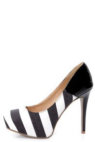 Black heels from Lulu*s. Buy more shoes +  get 7% cash backhttp://studentrate.com/itp/get-itp-student-deals/LuLu-s-Student-Discount--/0