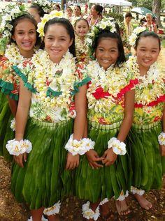 -Girls Performing Hula Lei Day 2010