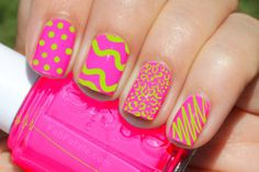 Nail art pink neon