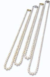 FOUR SINGLE-ROW NATURAL PEARL NECKLACES (INCLUDING FOUR CULTURED PEARLS)
