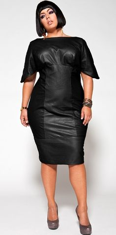 Hey curvy girls all over the world, if you're looking for a subtle yet dashing way to add a bit of cool to your wardrobe, try a plus size leather dress. Women with slim body, usually look sexy with a. Girls Plus Size Dresses, Plus Size Outfits, Club Dresses, Curvy Girl Fashion, Plus Size Fashion, Womens Fashion, Image Fashion, Black Leather Dresses, Leather Skirts