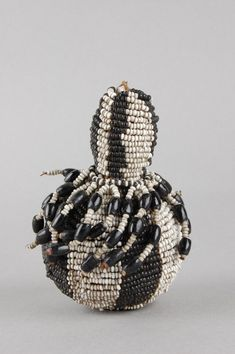 Snuff-bottle made of gourd, beads. Ethnic nameMade by Xhosa (? African Design, African Art, Bottle Images, Xhosa, Museum Shop, Small Bottles, British Museum, Bead Weaving, Gourds