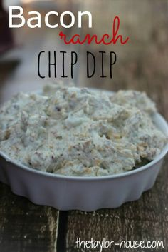 Delicious and Simple Bacon and Ranch Chip Dip that's perfect for a Super Bowl party! #appetizer #recipes