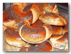 Recepty od Reny Naty A. Simit Recipe, Czech Desserts, Fun Desserts, No Carb Bread, Macedonian Food, Scandinavian Food, Czech Recipes, Croatian Recipes, Diet
