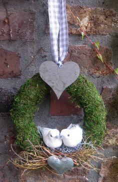 Türkranz - Täubchen - Hochzeitskranz  von kunstbedarf24 auf DaWanda.com