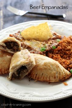 Beef Empanadas delicious dinner the whole family will love! Mexican Dishes, Mexican Food Recipes, Beef Recipes, Dinner Recipes, Cooking Recipes, Cooking Tips, I Love Food, Good Food, Yummy Food