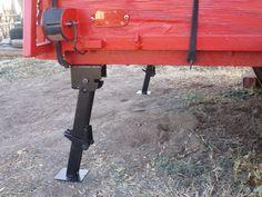 "Stabilizer Jack - 6-1/4"" Drop Leg Travel - 18"" Extension - 650 lbs - Qty 1 etrailer Camper Jack TJ01RT"