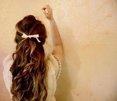 hair + bow.