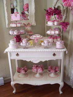 Pretty in Pink - Dessert Table Pretty In Pink, Perfect Pink, Idee Baby Shower, Vintage Tee, Vintage Bridal, Vintage Tea Parties, Tea Cart, Tea Trolley, Deco Retro