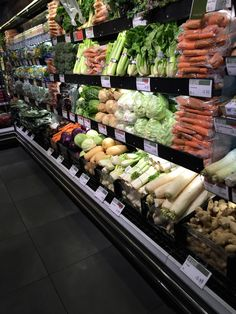Wholefoods - Piccadilly - London - Grocery - Healthy Living - Layout - Landscape - Retail Design - VM - www.clearretailgroup.eu Retail Design, Whole Food Recipes, Healthy Living, Shops, Layout, London, Landscape, Interior, Self