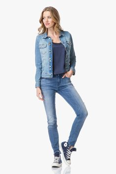Shop the look - Casual blauwe denim look | Perfectly Basics