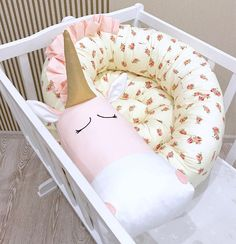 Baby crib bumper BEIGE FLORAL HORSE with Solid Golden Horn