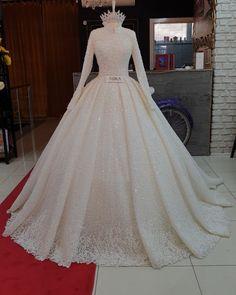 Asya modelimiz part 9 . Muslim Wedding Gown, Muslimah Wedding Dress, Muslim Wedding Dresses, Wedding Dress Sleeves, Dream Wedding Dresses, Hijabi Wedding, Muslim Brides, Bridal Outfits, Bridal Dresses