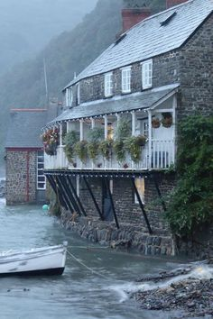 Places In England, Tiny House, Coastal, Mansions, House Styles, Home Decor, Cottages, British, Spaces