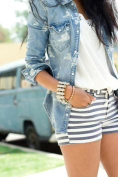 77 Elegant Outfit Ideas to Learn How to Wear Stripes Right  - Do you find it difficult to wear stripes? Stripes are among the catchiest prints women wear. They are perfect for almost all women. They are presented... -   . Find More at: http://www.pouted.com/elegant-outfit-ideas-to-learn-how-to-wear-stripes-right/
