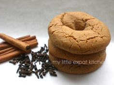 """My Little Expat Kitchen: """"The package"""" (moustokouloura - grape molasses cookies). Greek Sweets, Greek Desserts, Greek Recipes, Just Desserts, Delicious Desserts, Italian Recipes, Chocolate Coconut Slice, Sour Cream Chocolate Cake, Grape Molasses Recipes"""