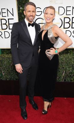 Blake Lively in a Atelier Versace dress and Ryan Reynolds at the 2017 Golden Globes