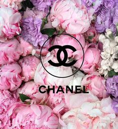 Adidas Iphone Wallpaper, Wallpaper Iphone Cute, Chanel Art, Chanel Perfume, Cute Wallpaper Backgrounds, Cute Wallpapers, Gold Rugs, Chanel Wallpapers, Glitter Pictures