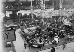 1919 Salon de l'automobile de Paris, au Grand Palais en octobre  Le salon rouvre cette année-là