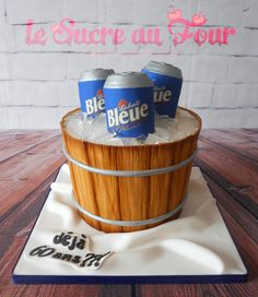 Beer themed cake, everything is edible. Cans are made from rice-krispies and ice from isomalt-Le sucre au four