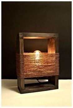 Driftwood Lamp, Wood Lamps, Old Wine Bottles, Creative Lamps, Diy Wood Projects, Wooden Diy, Lamp Design, Diy Furniture, Woodworking