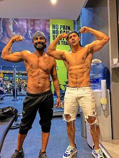fitness freak varun dhavan showing his biceps with choreographer remo dsouga Bollywood Cinema, Bollywood Actors, Hollywood Actresses, Actors & Actresses, Humpty Sharma Ki Dulhania, Student Of The Year, Celebrity Biographies, Varun Dhawan, Handsome Actors