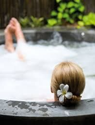 Everybody loves long, hot, relaxing baths. Here are a few things you can throw in your tub to make a bath an experience that's a whole lot more relaxing than a tub of plain water.  1 cup powdered oats  2 cups Dead Sea salt  1 cup Epsom salt  3 tablespoons vanilla extract  2 tablespoons vegetable oil such as extra-virgin olive oil, sunflower oil or coconut oil.  Add to your hot bath water. Climb in with a book or magazine and enjoy!